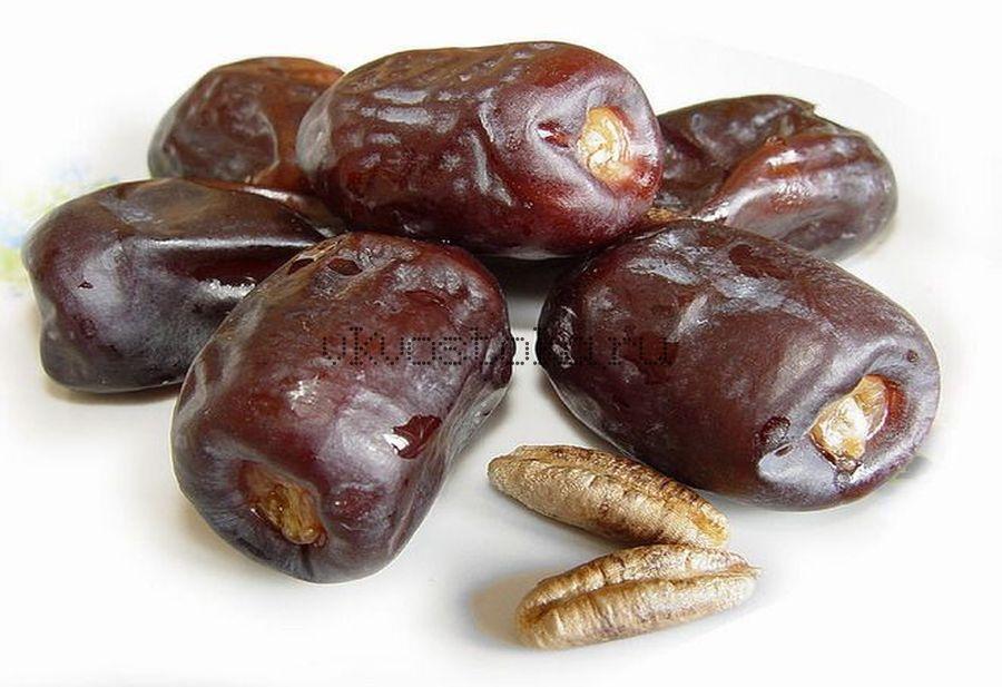 Финики  шоколадные Иран 100г